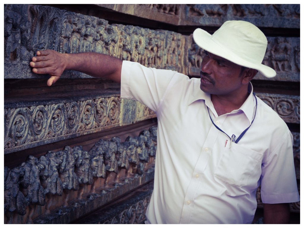 Tourist Guide in Belur